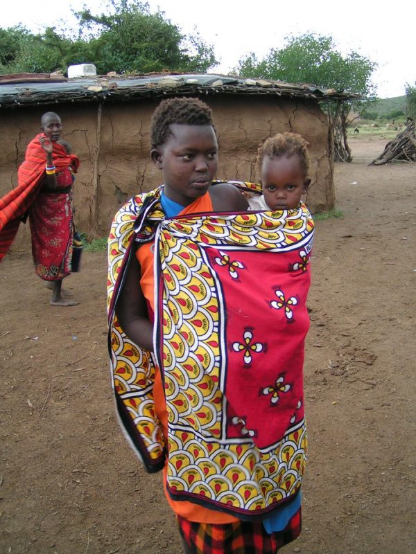 Kenia-Kazuri Safaris- Maasai vrouw